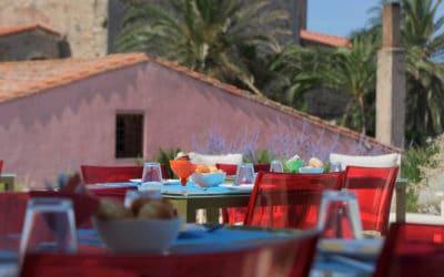 Hotel Sinis Frühstückterrasse Haus 1 (1)